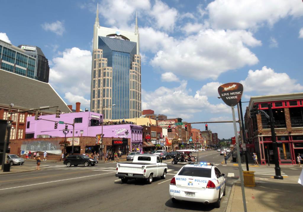 Nashville-Broadway-TravelGrip