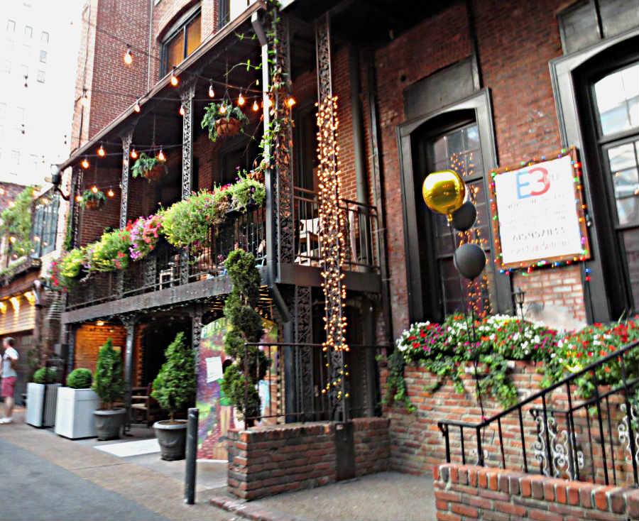 Printers-Alley-Nashville-TravelGrip