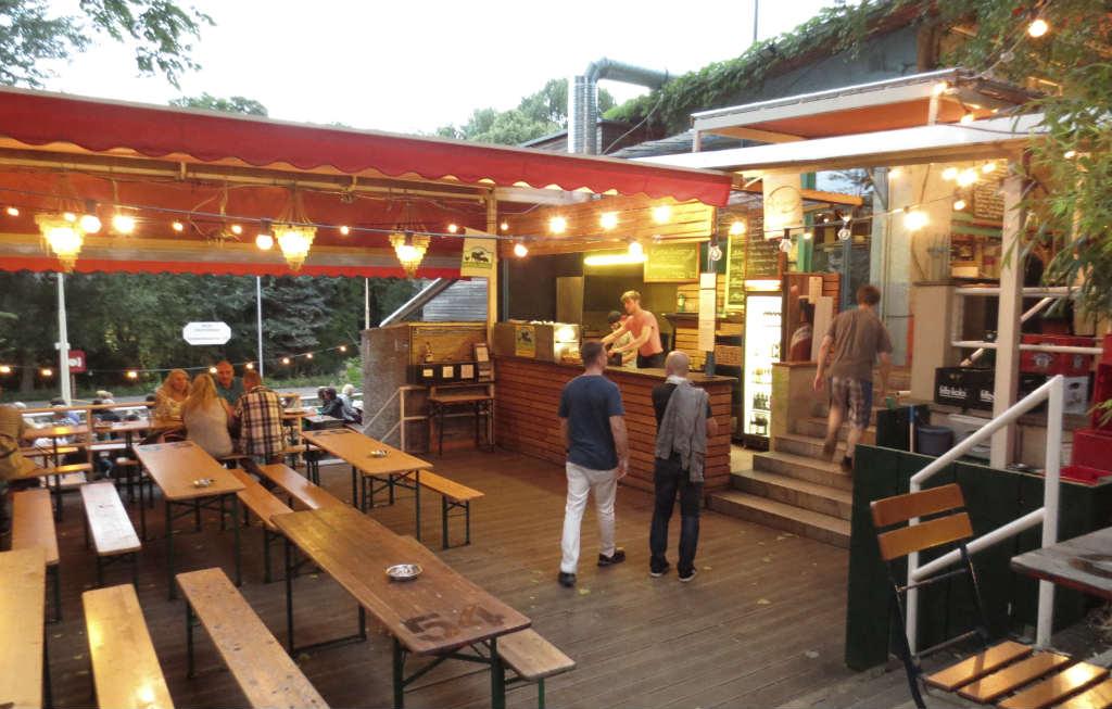 Schleusen-Krug-Biergarten-Berlin-Travelgrip
