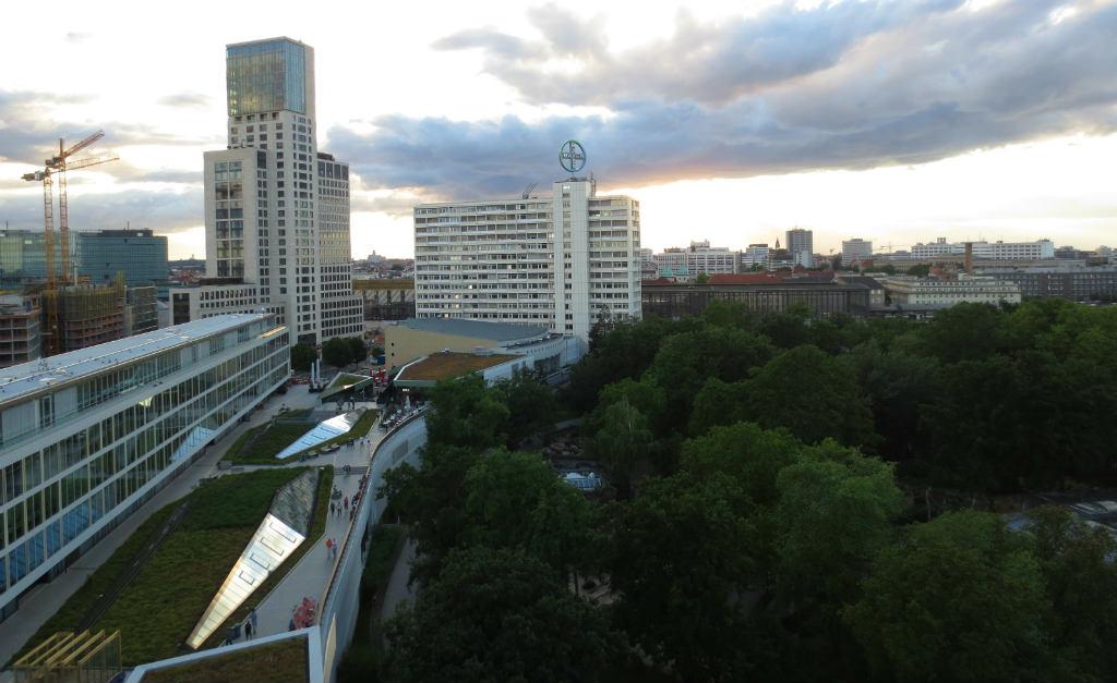 Utsikt-fran-Monkey-Bar-Berlin-TravelGrip