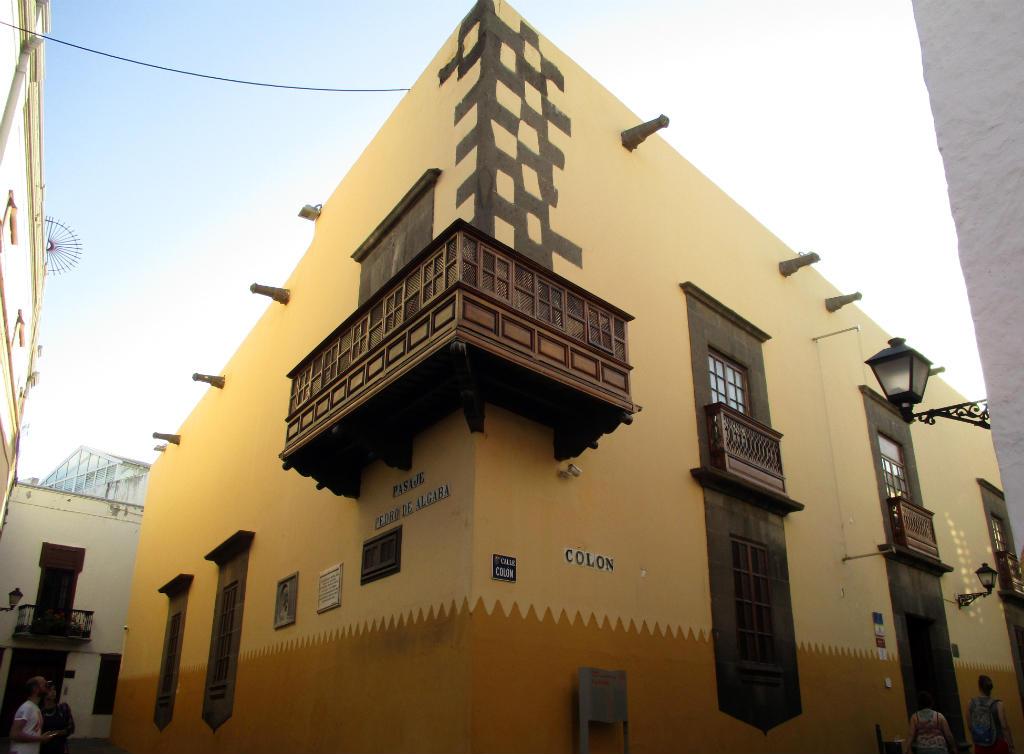 Vegueta-Las-Palmas-Casa-Colon-TravelGrip