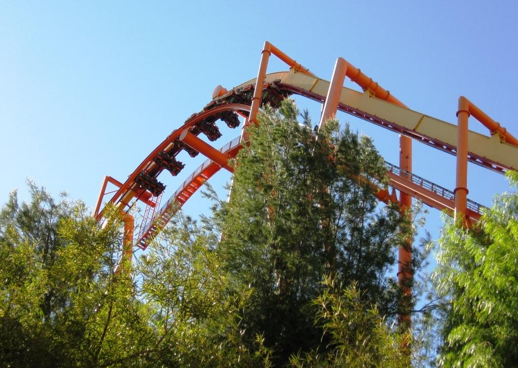 Sixflags-bergochdal-bana-Kalifornien-TravelGrip