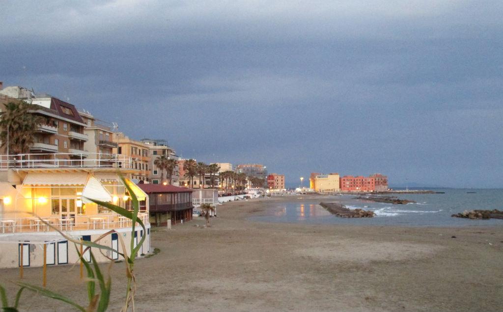 Anzios-strand-Lazio-Italien-TravelGrip