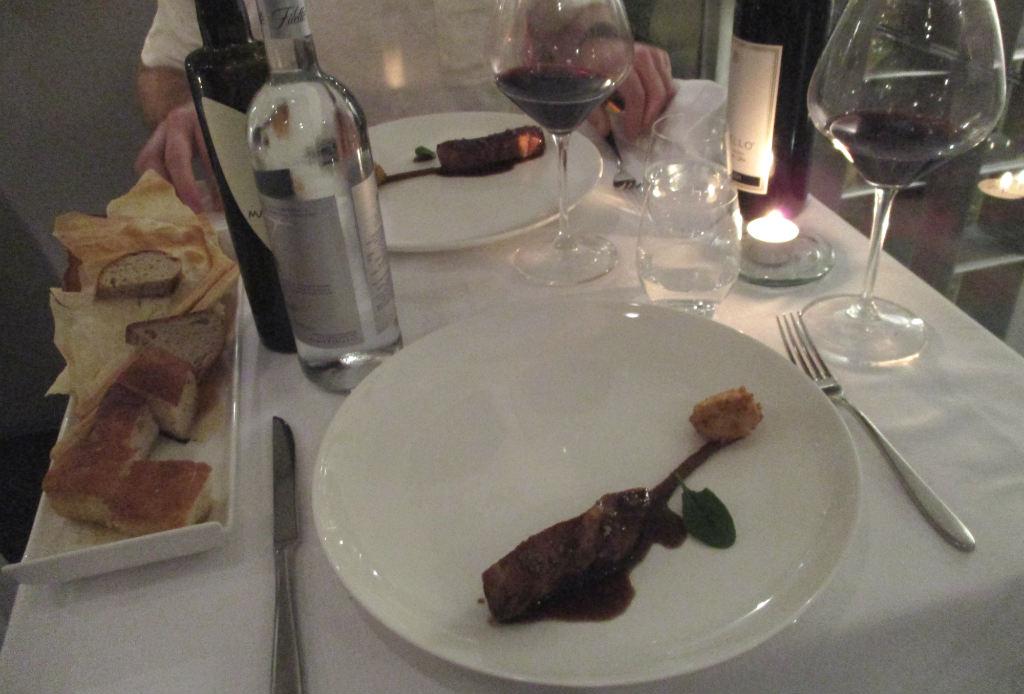 Moma-avsmakningsmeny-kött-Rom-restaurang-TravelGrip