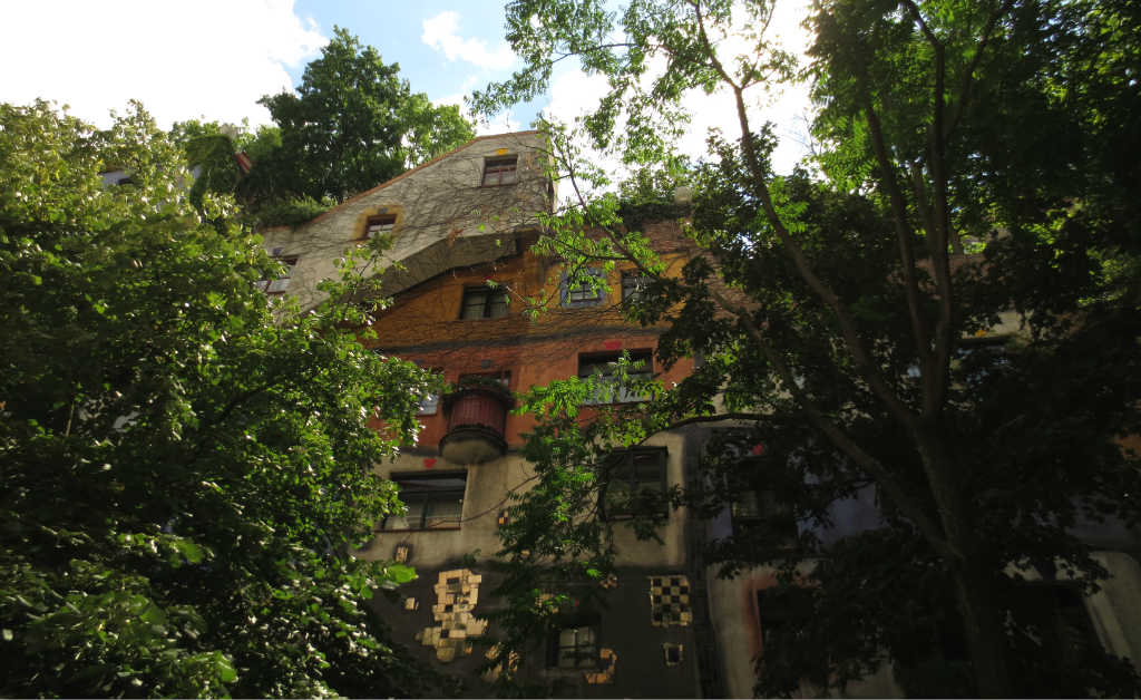 Hundertwasserhaus-Wien-TravelGrip-3