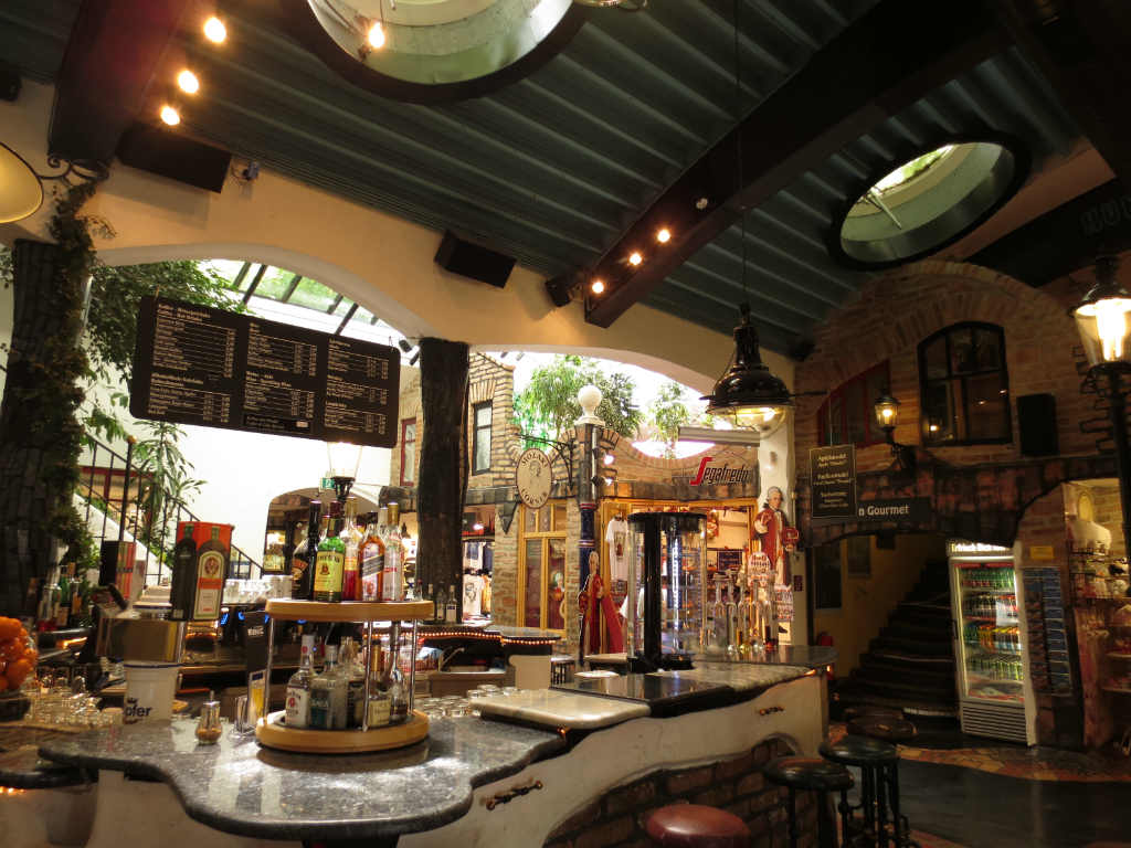 Hundertwasserhaus-Wien-TravelGrip-6