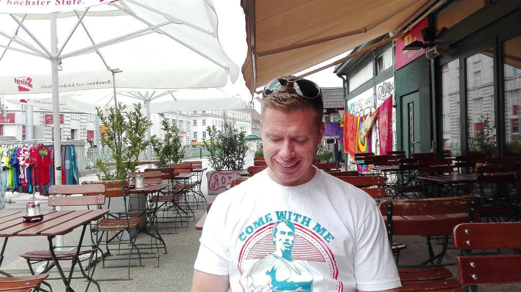 frukost-pa-naschmarkt-matmarknad-travelgrip
