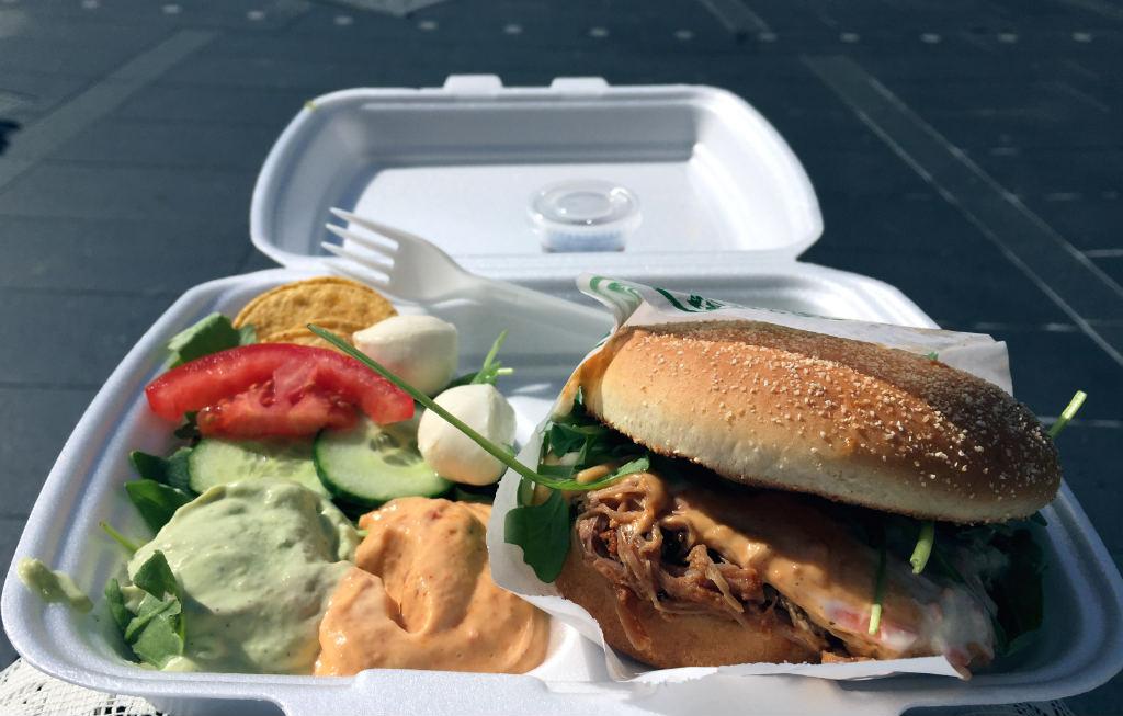 hamburgare-fran-food-truck-travelgrip