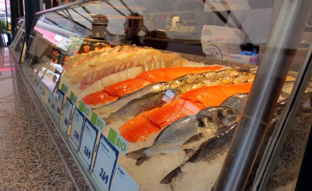 naschtmarkt-market-in-vienna-ladytravelguide-1