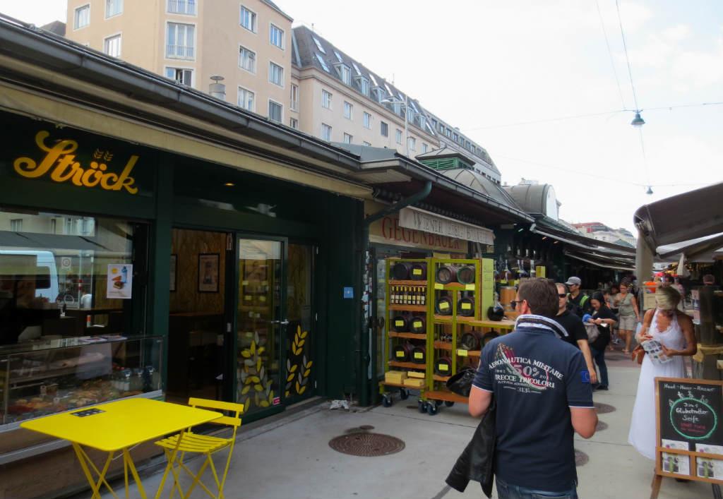 naschtmarkt-market-in-vienna-ladytravelguide-3