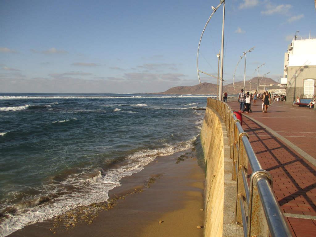 playa-canteras-i-las-palmas-strandpromenad-travelgrip
