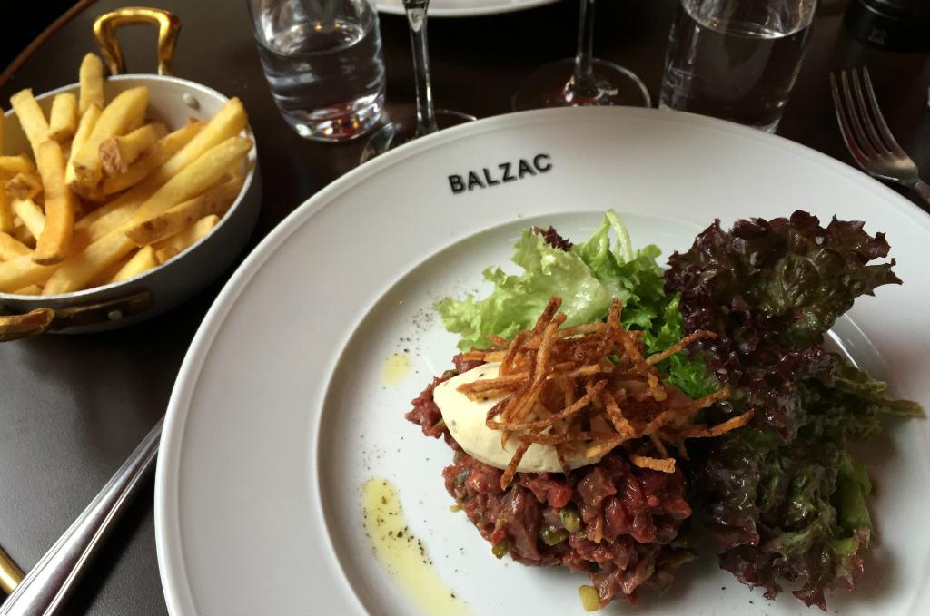 Råbiff på Balzac i Stockholm
