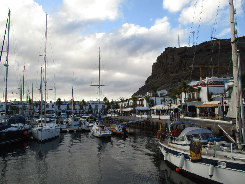 marina-puerto-de-mogan-gran-canaria-travelgrip