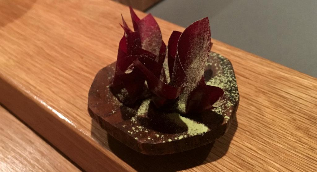 Imouto-dessert-rödbetskola-Omakase-TravelGrip