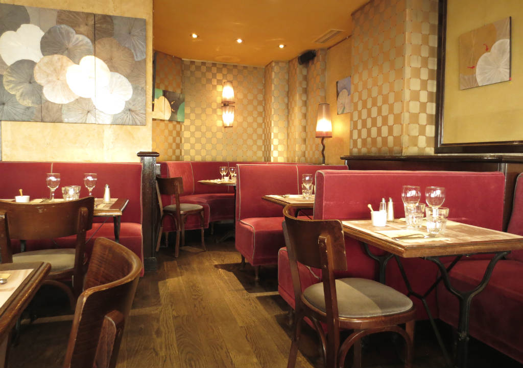 Cafe-du-Metro-Paris-Saint-Germain-des-Pres-TravelGrip