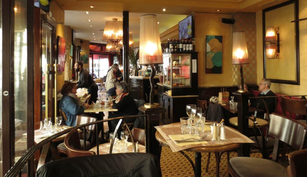 Cafe-du-Metro-Saint-Germain-des-Pres-Paris-TravelGrip