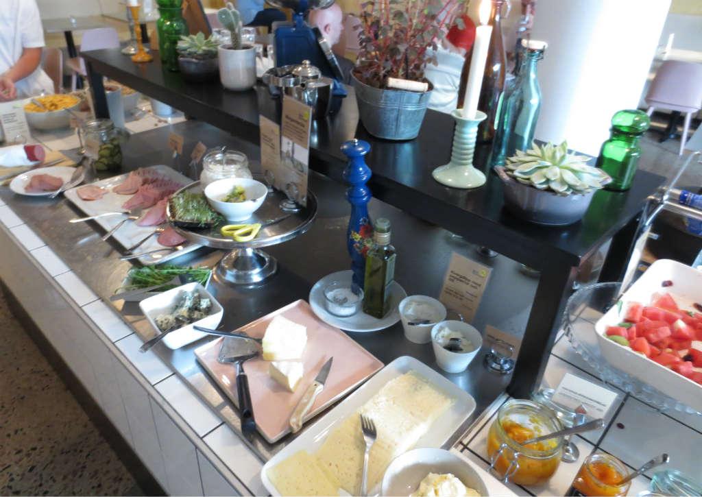 Hotellrecension-Hotel-Noble House-frukost-Malmo-TravelGrip-2