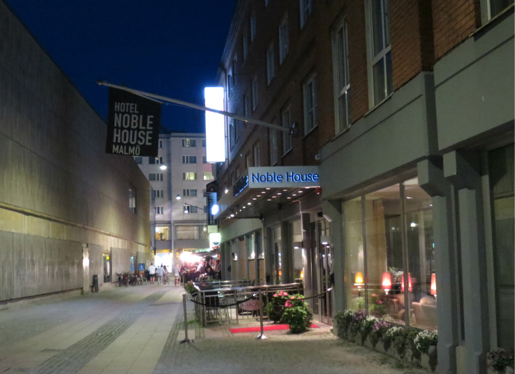 Hotellrecension-Hotel-Noble House-frukost-entre-Malmo-TravelGrip