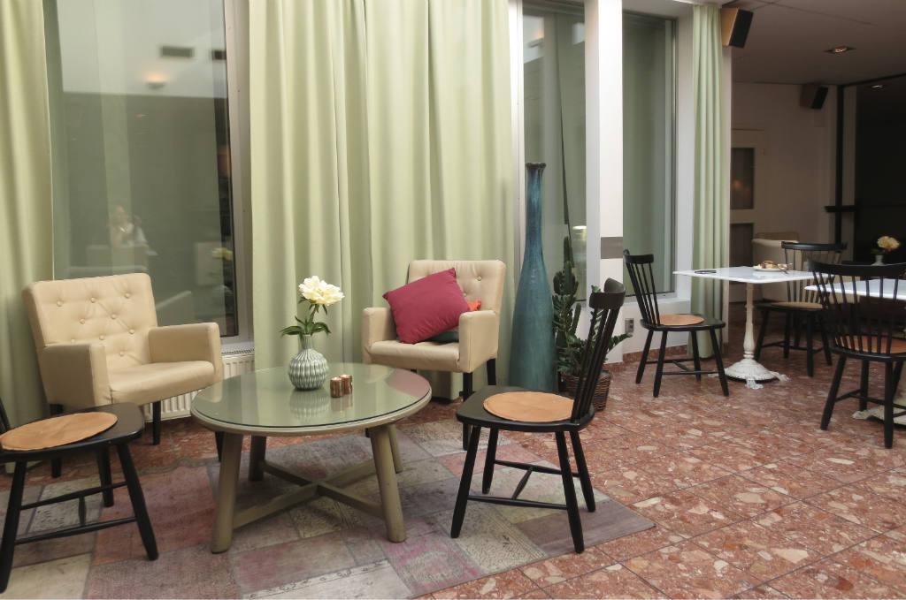 Hotellrecension-Hotel-Noble House-frukost-matsal-Malmo-TravelGrip
