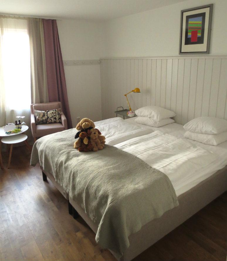 Hotellrecension-Hotel-Noble House-sang-Malmo-TravelGrip