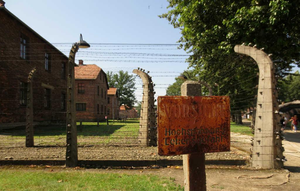 Utflykt-fran-Krakow-till-Auschwitz-TravelGrip