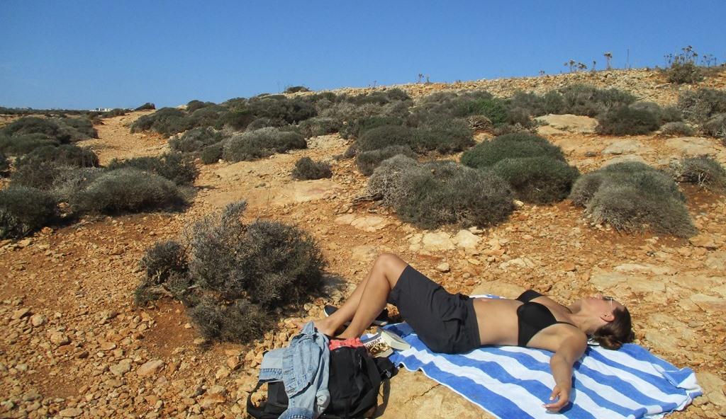 Torr mark vid Blå Lagunen på Malta