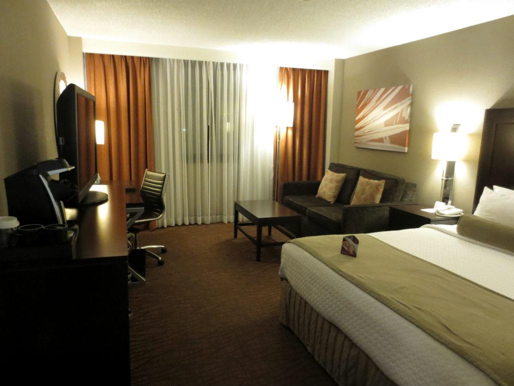 Hotellrecension-Crowne-Plaza-Miami-Airport-TravelGrip- (1)