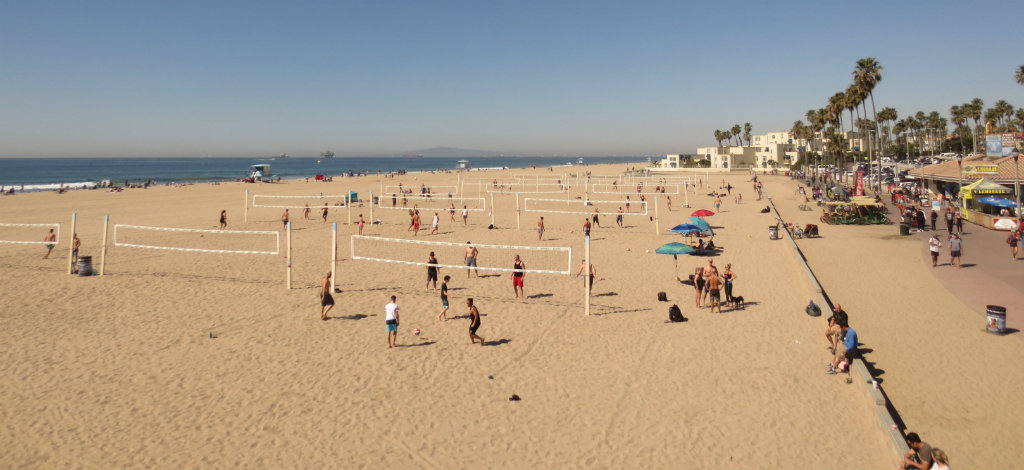 Volleybollspelande i Huntington Beach