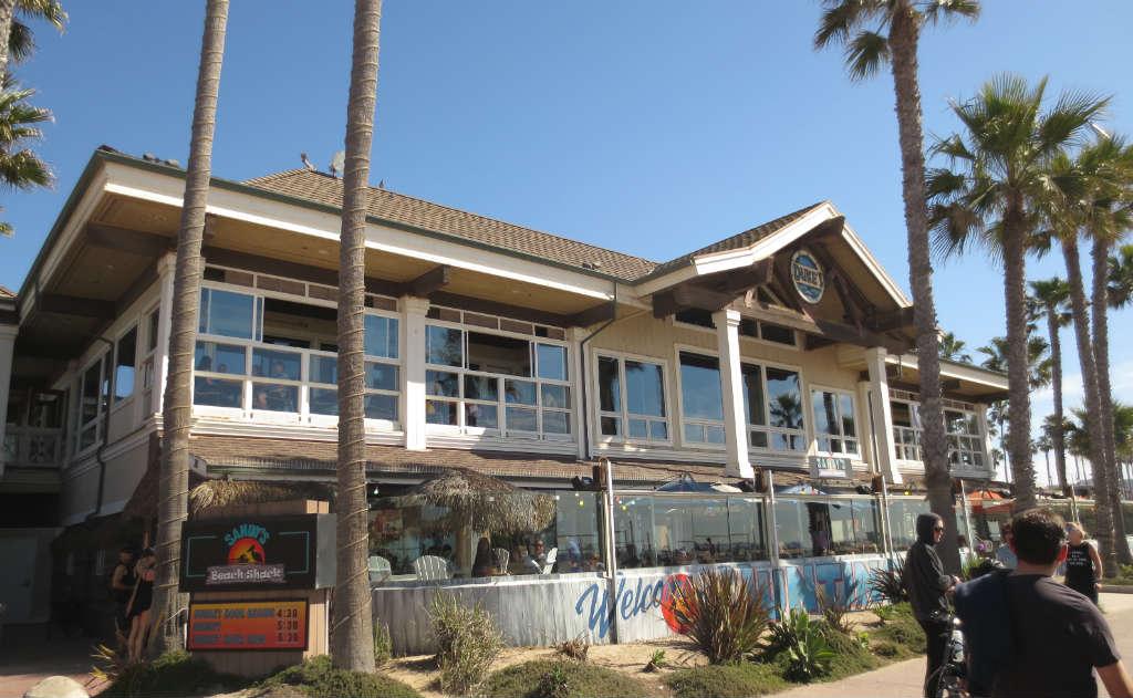 Byggnader längs Huntington Beach