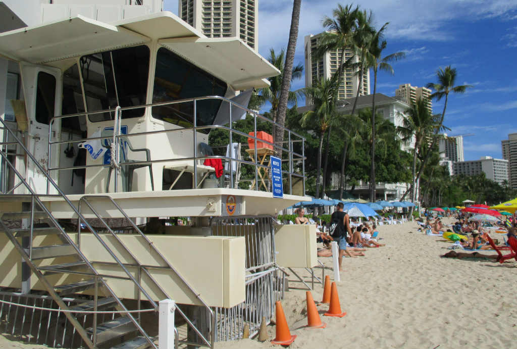 Waikiki-Beach-i-Honolulu-Hawaii-TravelGrip-8