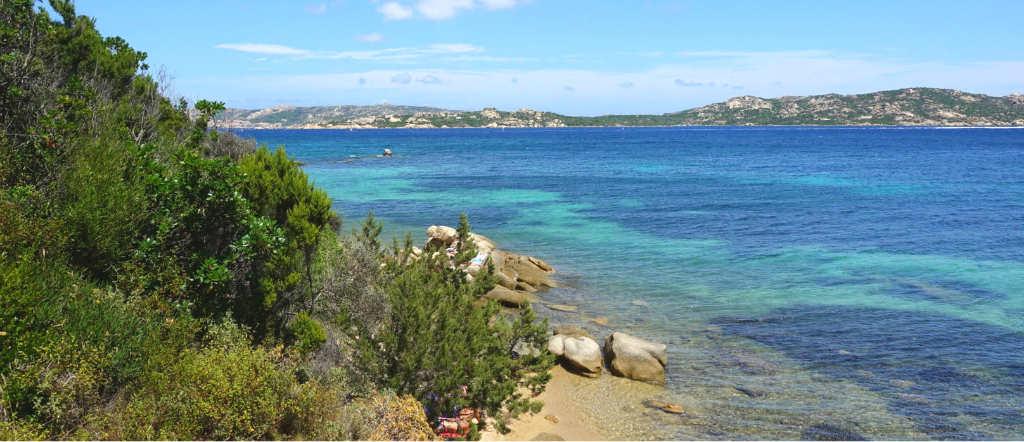 badplats nära Palau på Sardinien