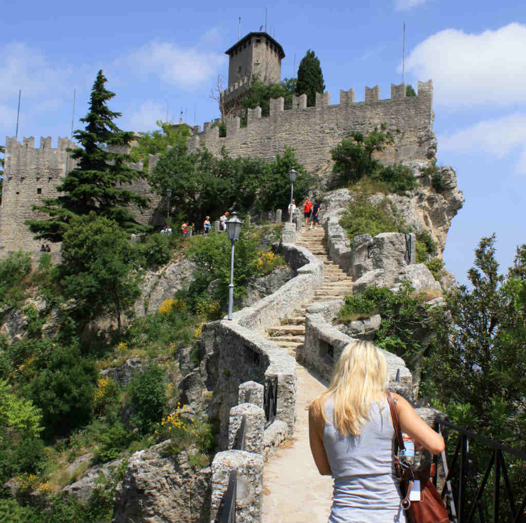 Fort på Berget Titano i San marino